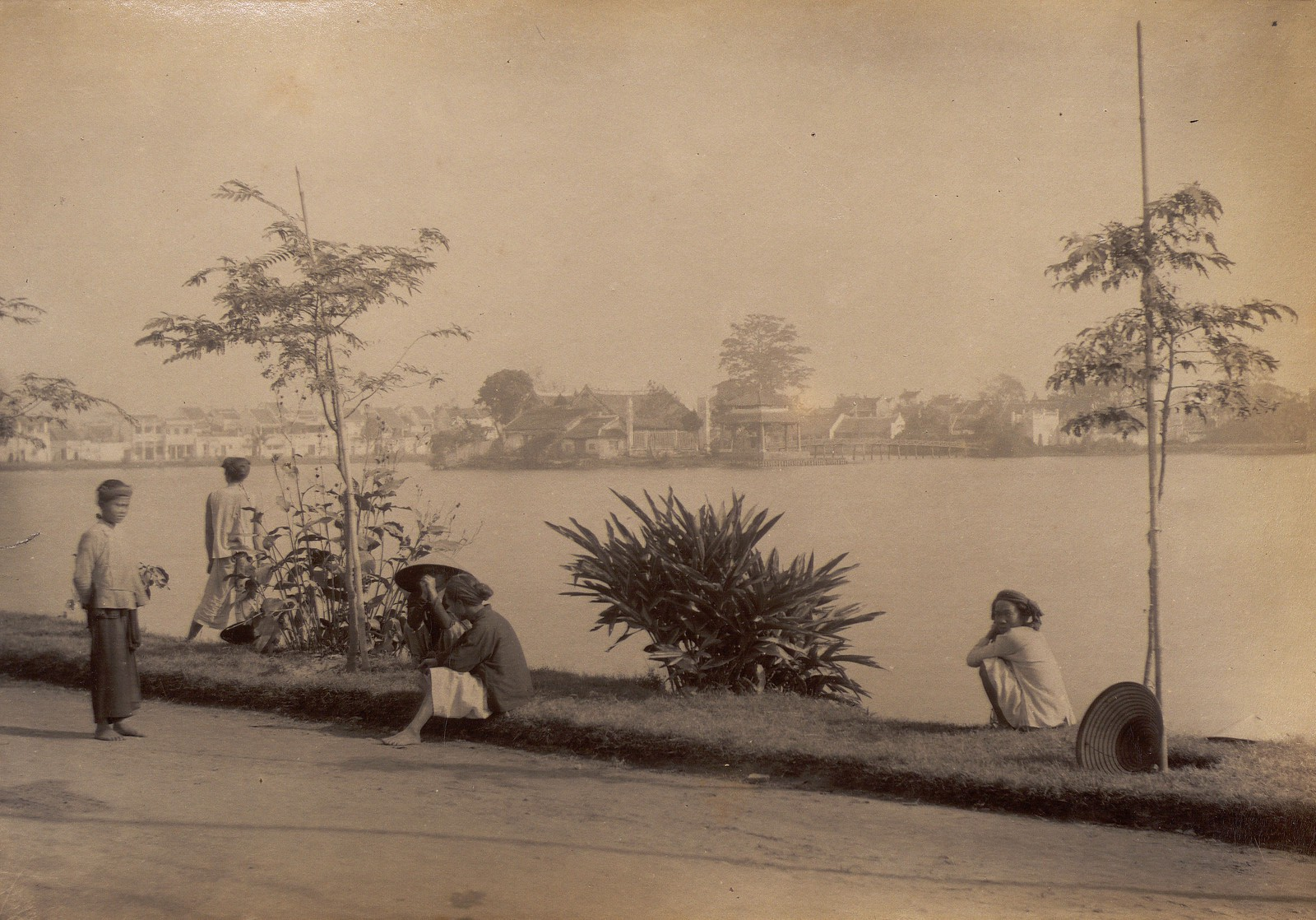 Anh cuc hiem ve ho Hoan Kiem thap nien 1890-Hinh-2