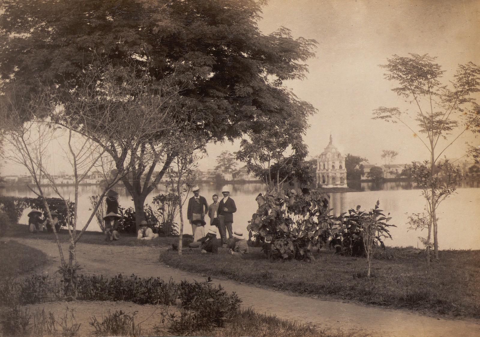 Anh cuc hiem ve ho Hoan Kiem thap nien 1890-Hinh-9