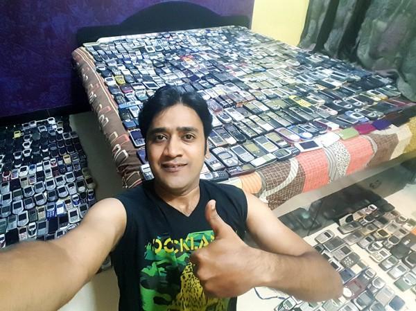 """Kham pha kho dien thoai """"khung"""" cua Mr Nokia voi 2371 chiec-Hinh-11"""