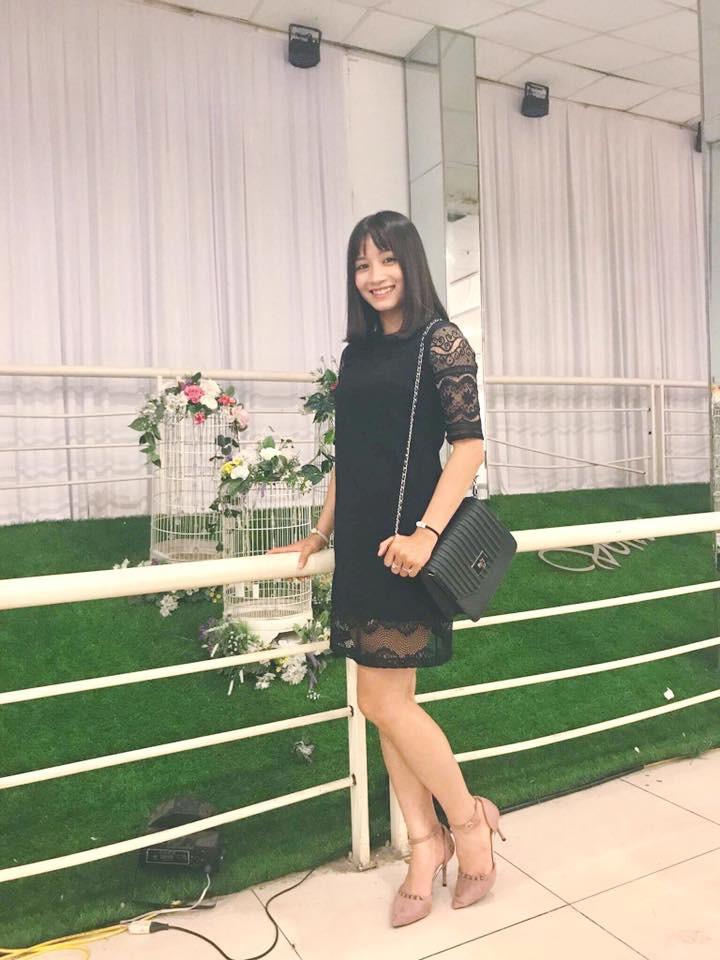 Hot girl bong da nu Viet Nam Hoang Thi Loan an mac cuc xinh ngoai doi-Hinh-11