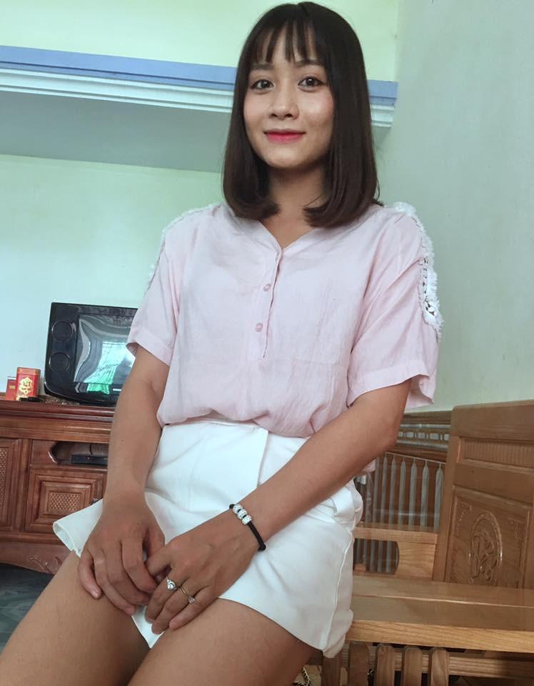 Hot girl bong da nu Viet Nam Hoang Thi Loan an mac cuc xinh ngoai doi-Hinh-12
