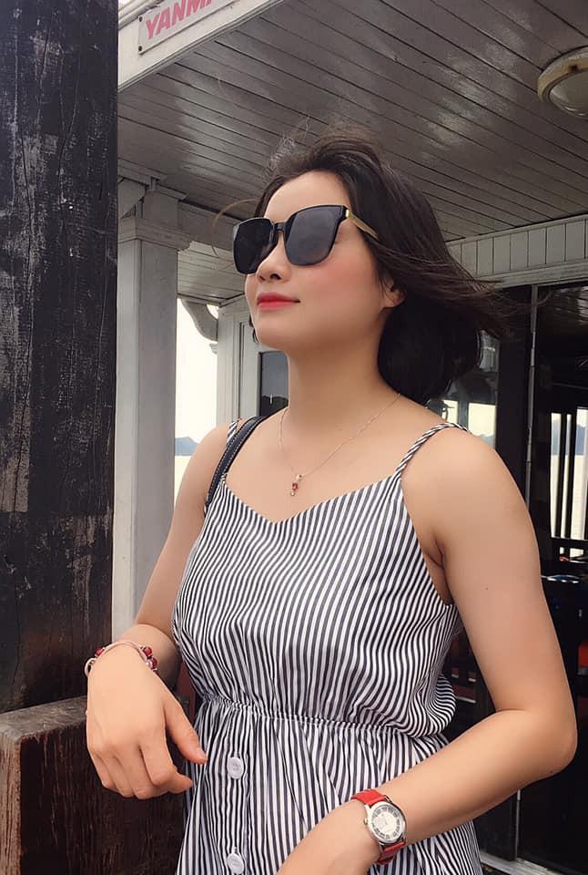 Hot girl bong da nu Viet Nam Hoang Thi Loan an mac cuc xinh ngoai doi-Hinh-4