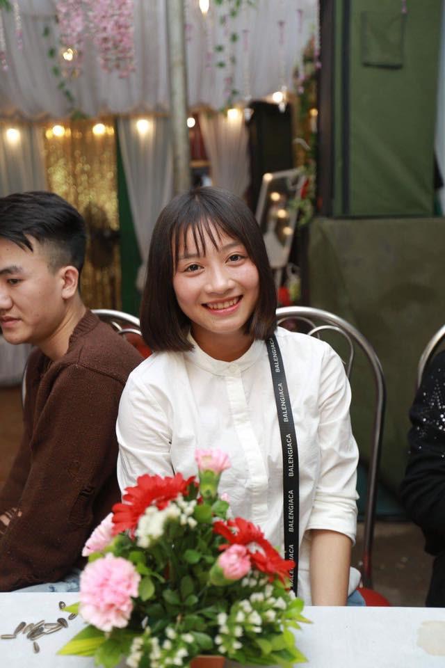 Hot girl bong da nu Viet Nam Hoang Thi Loan an mac cuc xinh ngoai doi-Hinh-9
