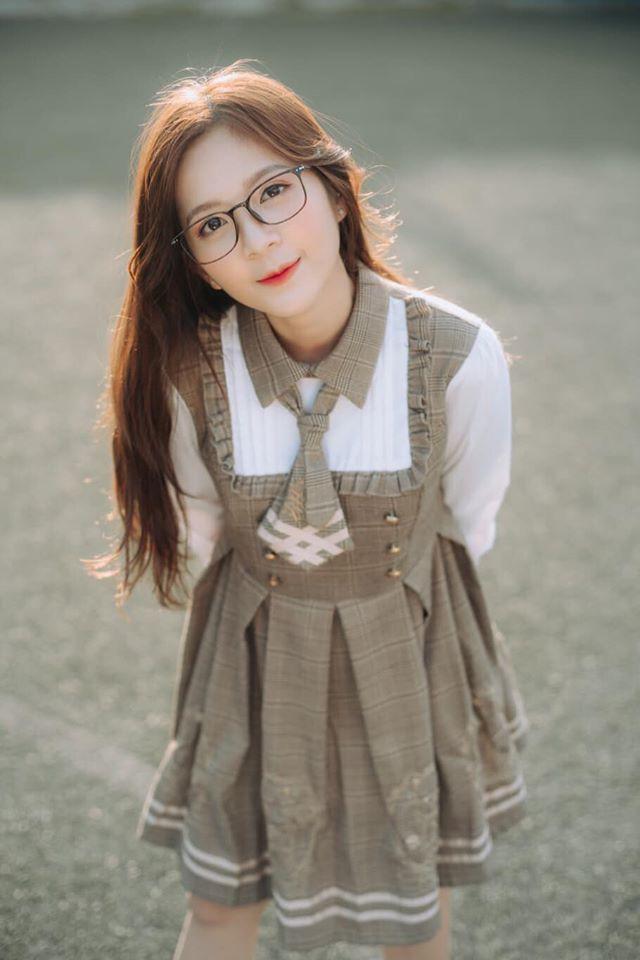 "Hot girl Ha thanh trong ""Nhung ngay khong quen"" an mac nu tinh-Hinh-6"