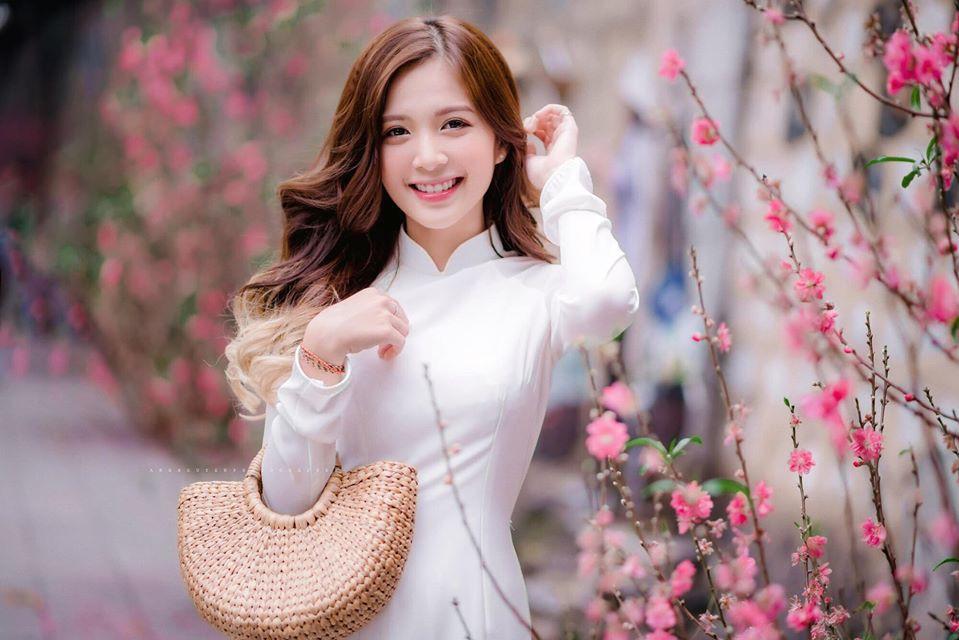 "Hot girl Ha thanh trong ""Nhung ngay khong quen"" an mac nu tinh-Hinh-7"