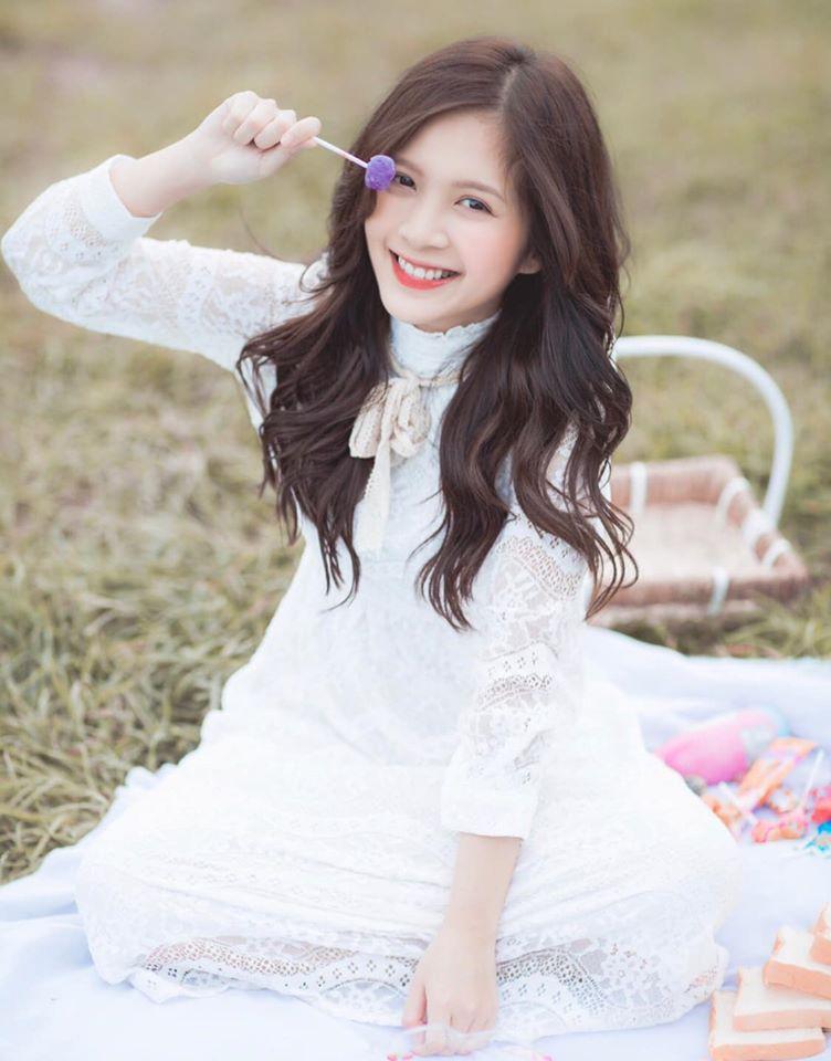 "Hot girl Ha thanh trong ""Nhung ngay khong quen"" an mac nu tinh-Hinh-9"