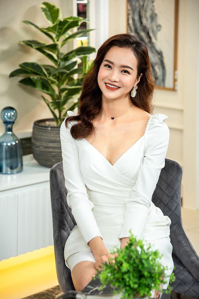 "Hoa hau Kieu Ngan gay sot voi bo anh thoi trang nong bong ""dot mat""-Hinh-6"