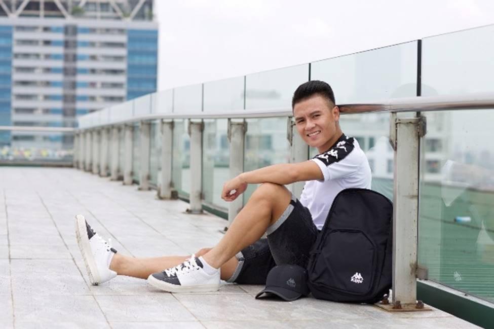 Cau thu Quang Hai an mac gian di van khien fan nu me met-Hinh-3