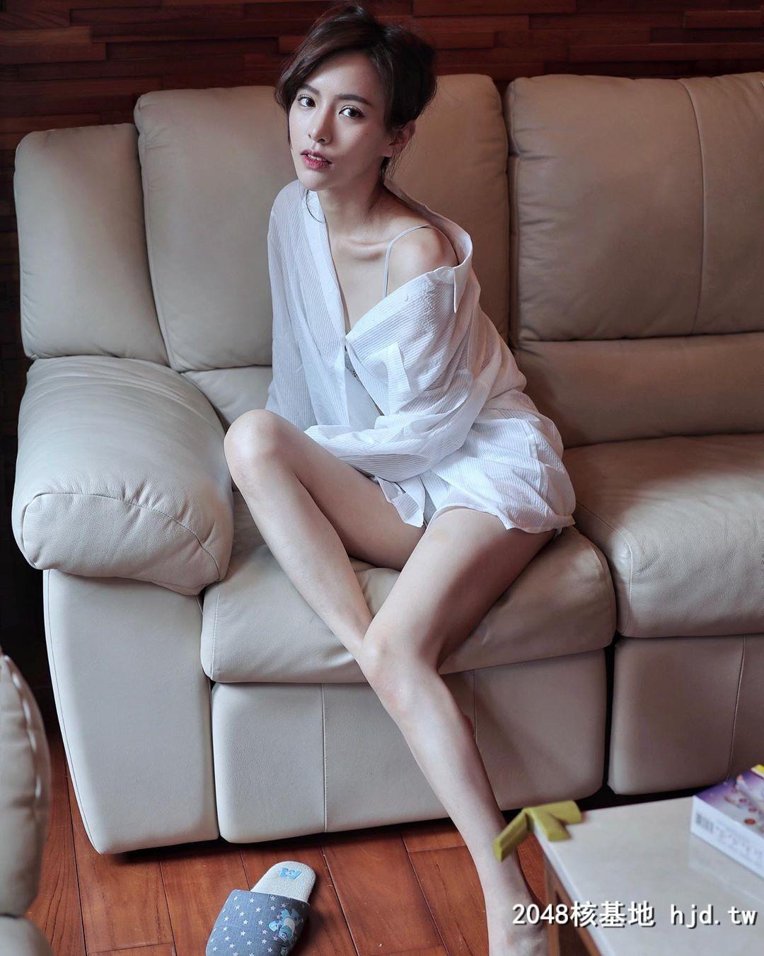 Nu tiep vien hang khong noi tieng Dai Loan an mac cuc goi cam-Hinh-7