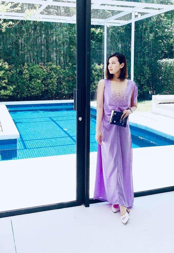 "My nhan ""Tinh yeu va tham vong"" ngoai doi an mac cuc nong bong-Hinh-2"