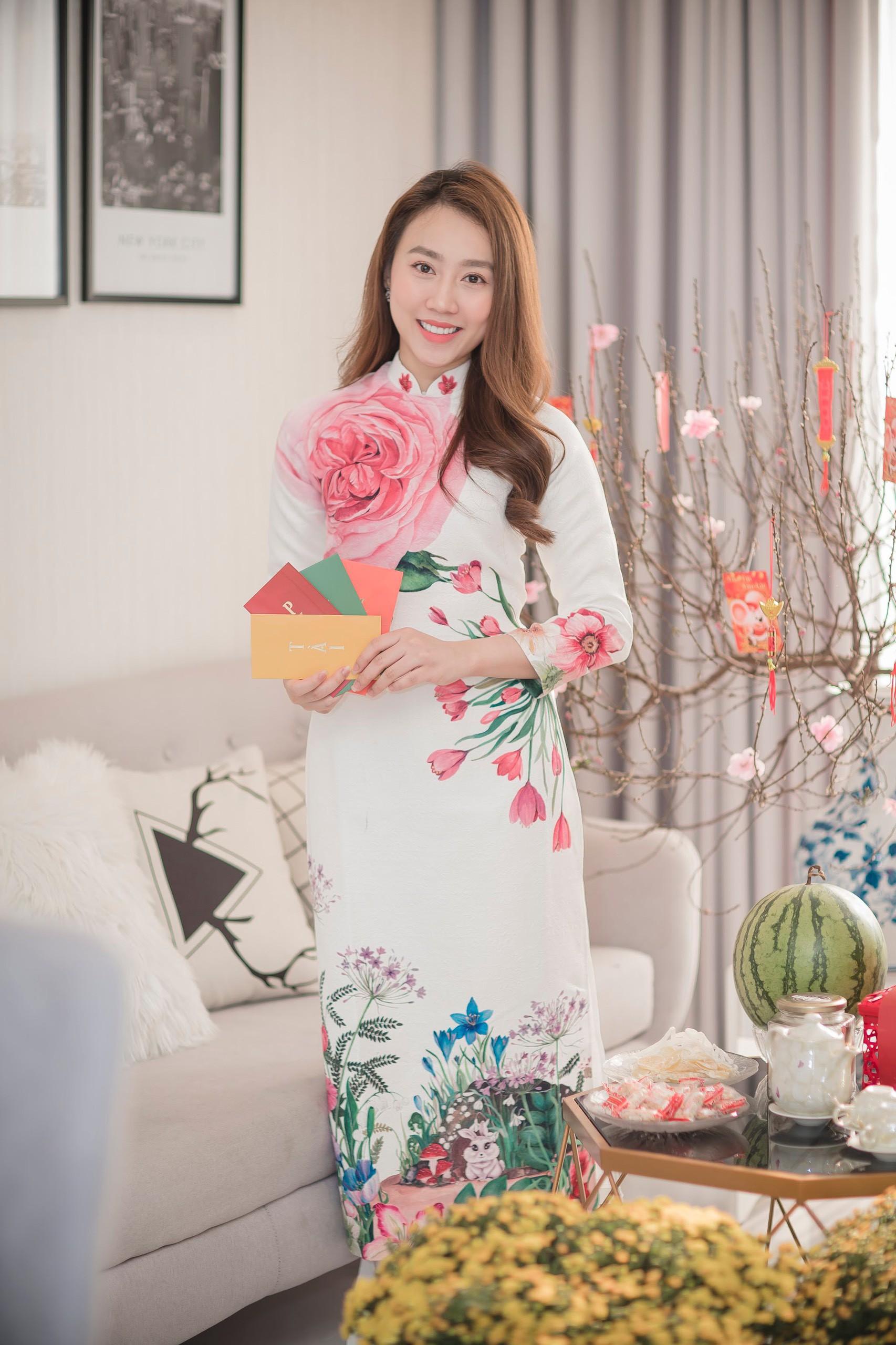 He lo can ho cao cap cua dien vien Hong Loan hen ho cau thu Tien Linh-Hinh-3