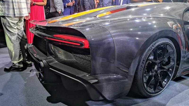 bugatti mang chiron super sport 300+ bui ban, con trung di trien lam hinh 6