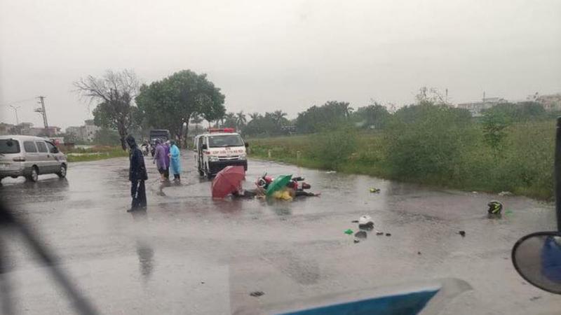 Hà Nội: Hai người trên đường về quê bị sét đánh tử vong -0