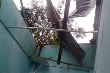 Lốc xoáy ở Đà Nẵng, hơn 20 căn nhà bị hư hỏng