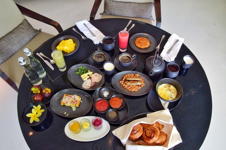 Vì sao khách sạn thường phục vụ bữa sáng miễn phí? - 3