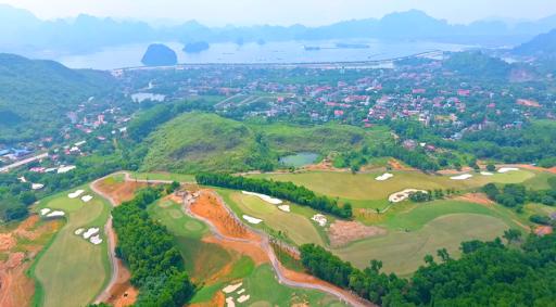 Chân dung 'ông trùm sân golf' ở Bắc Giang sở hữu lâu đài lộng lẫy độc nhất vô nhị