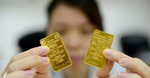 Vàng miếng SJC bị ép giá, từ chối mua: Sao NHNN im lặng? - ảnh 1