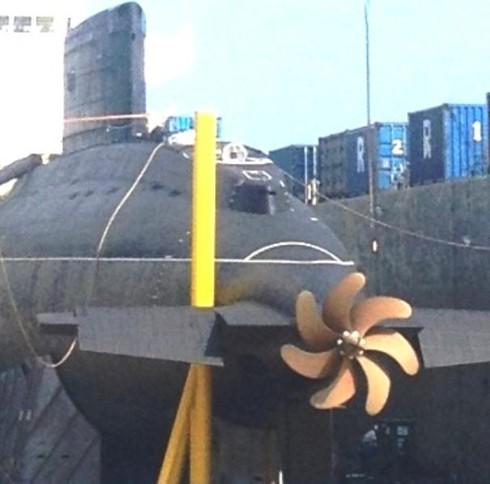 Hình ảnh mới nhất về tàu ngầm Kilo tại Cam Ranh - ảnh 3