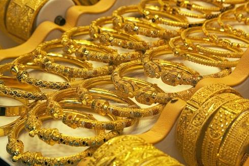Vàng tăng giá bất thường: Ngân hàng Nhà nước khuyên dân thận trọng - ảnh 1
