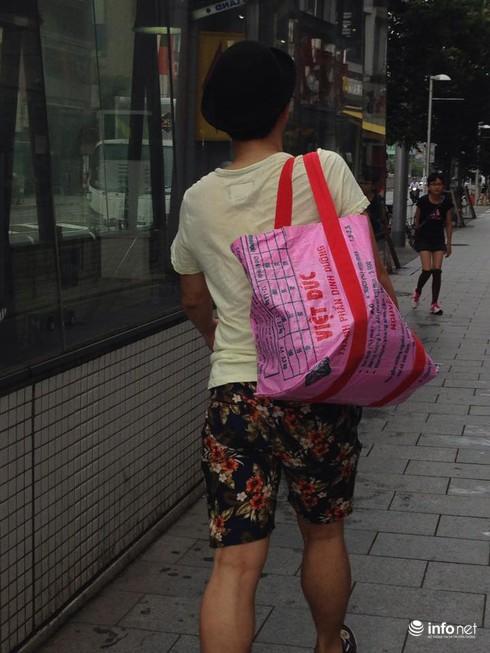 Bao bì cám con cò Việt Nam thành túi xách thời trang ở Nhật - ảnh 3