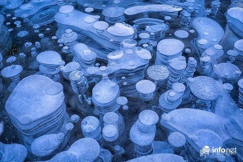 Quang cảnh kỳ vĩ của những hồ nước đóng băng trên thế giới - ảnh 8