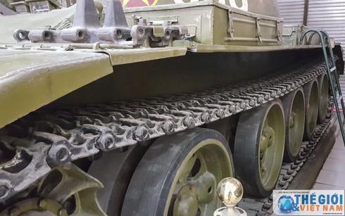 Cận cảnh hai chiếc xe tăng húc đổ cổng Dinh Độc lập - ảnh 7