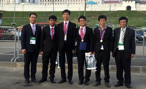 Việt Nam dành 2 huy chương Vàng tại Tin học Olympic quốc tế - ảnh 2