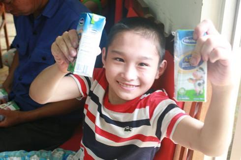 Khoảnh khắc xúc động nhìn trẻ em khuyết tật vui Tết thiếu nhi - ảnh 8