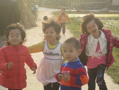 Cuộc sống mến yêu qua mắt nhìn của trẻ em nông thôn Việt Nam - ảnh 3
