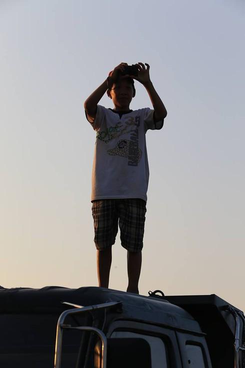 Cuộc sống mến yêu qua mắt nhìn của trẻ em nông thôn Việt Nam - ảnh 7