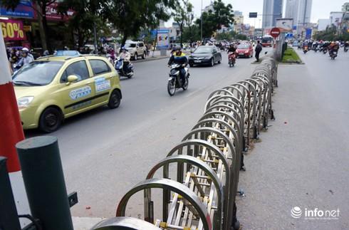 Vì sao tắc nghẽn thành chuyện thường trên đường Nguyễn Trãi? - ảnh 4