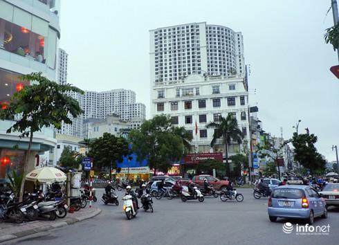 Vì sao tắc nghẽn thành chuyện thường trên đường Nguyễn Trãi? - ảnh 9