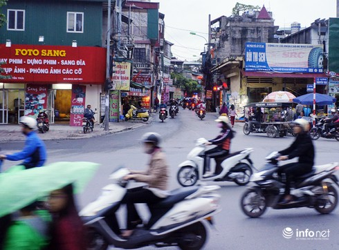 Vì sao tắc nghẽn thành chuyện thường trên đường Nguyễn Trãi? - ảnh 10