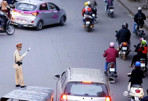 Vì sao tắc nghẽn thành chuyện thường trên đường Nguyễn Trãi? - ảnh 11