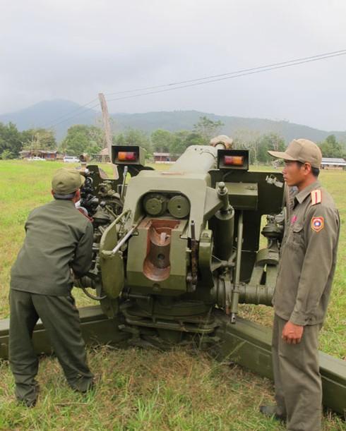 Hình ảnh xe thiết giáp, pháo binh, không quân Lào - ảnh 4