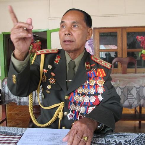 Hình ảnh xe thiết giáp, pháo binh, không quân Lào - ảnh 14