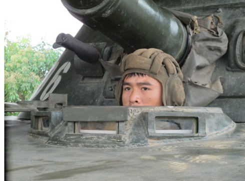 Hình ảnh xe thiết giáp, pháo binh, không quân Lào - ảnh 8