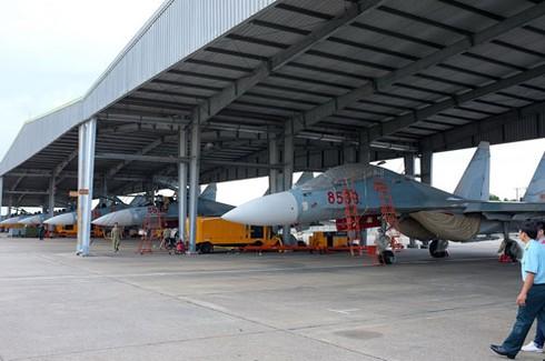 Su-30MK2 Việt Nam không chiến trên cơ J-15 TQ - ảnh 1