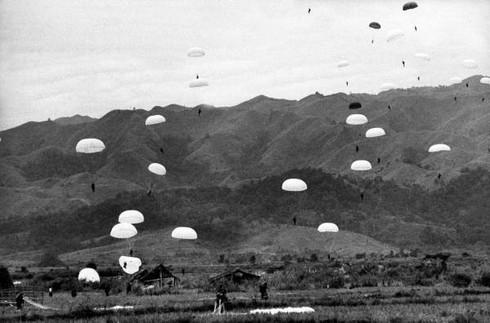 Bị vây đường không, quân Pháp hết đường tiếp viện Điện Biên Phủ - ảnh 2