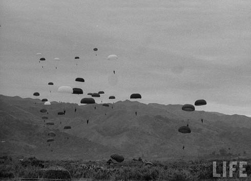 Bị vây đường không, quân Pháp hết đường tiếp viện Điện Biên Phủ - ảnh 1