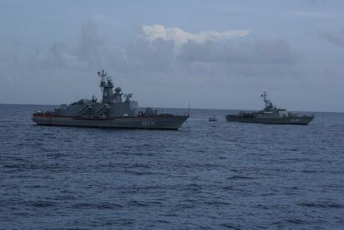 Hải quân Việt Nam chuẩn bị bắn đạn thật trên biển - ảnh 2