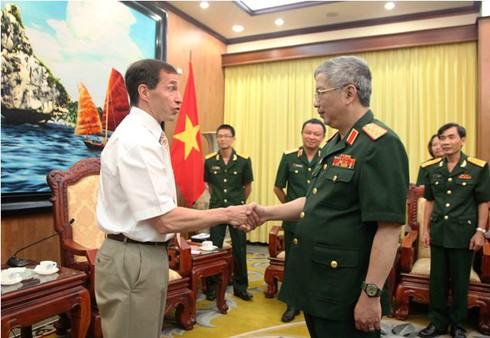 Đại biểu Bộ Quốc phòng Canada ủng hộ Việt Nam bảo vệ chủ quyền - ảnh 1