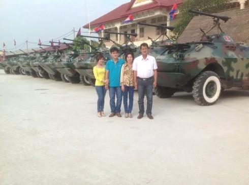2 nông dân Việt Nam chế xe bọc thép cho quân đội Campuchia - ảnh 4