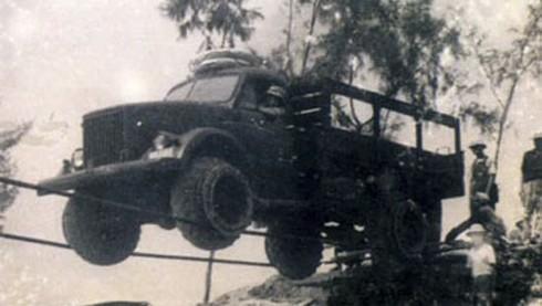 Thực hư chuyện lái xe trên dây cáp vượt Trường Sơn trong chiến tranh - ảnh 2