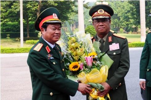 Tổng Tham mưu trưởng Quân đội nhân dân Lào thăm Bộ Quốc phòng - ảnh 1
