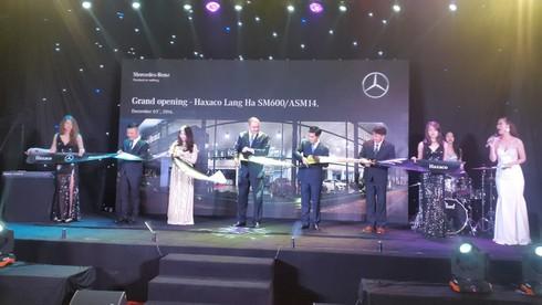 Mercedes-Benz Việt Nam đầu tư 4 triệu USD nâng tầm Haxaco Láng Hạ - ảnh 7