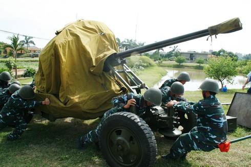 Xem bộ đội Trung đoàn cao xạ 280 đưa pháo vào trận địa - ảnh 1