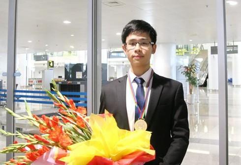 """Chàng trai """"thất bại"""" giành giải Vàng Olympic Hóa học quốc tế - ảnh 1"""
