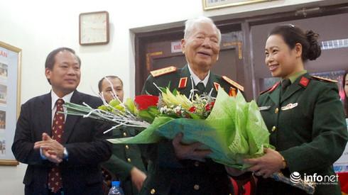 Đại tướng Lê Đức Anh tặng Thư viện Quân đội 1.200 cuốn hồi ký - ảnh 2
