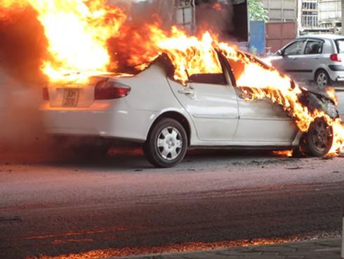 Chủ tịch Hiệp hội vận tải HN: Ô tô con không biết để bình cứu hỏa vào đâu! - ảnh 2
